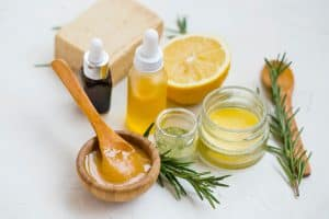 Uses of manuka honey